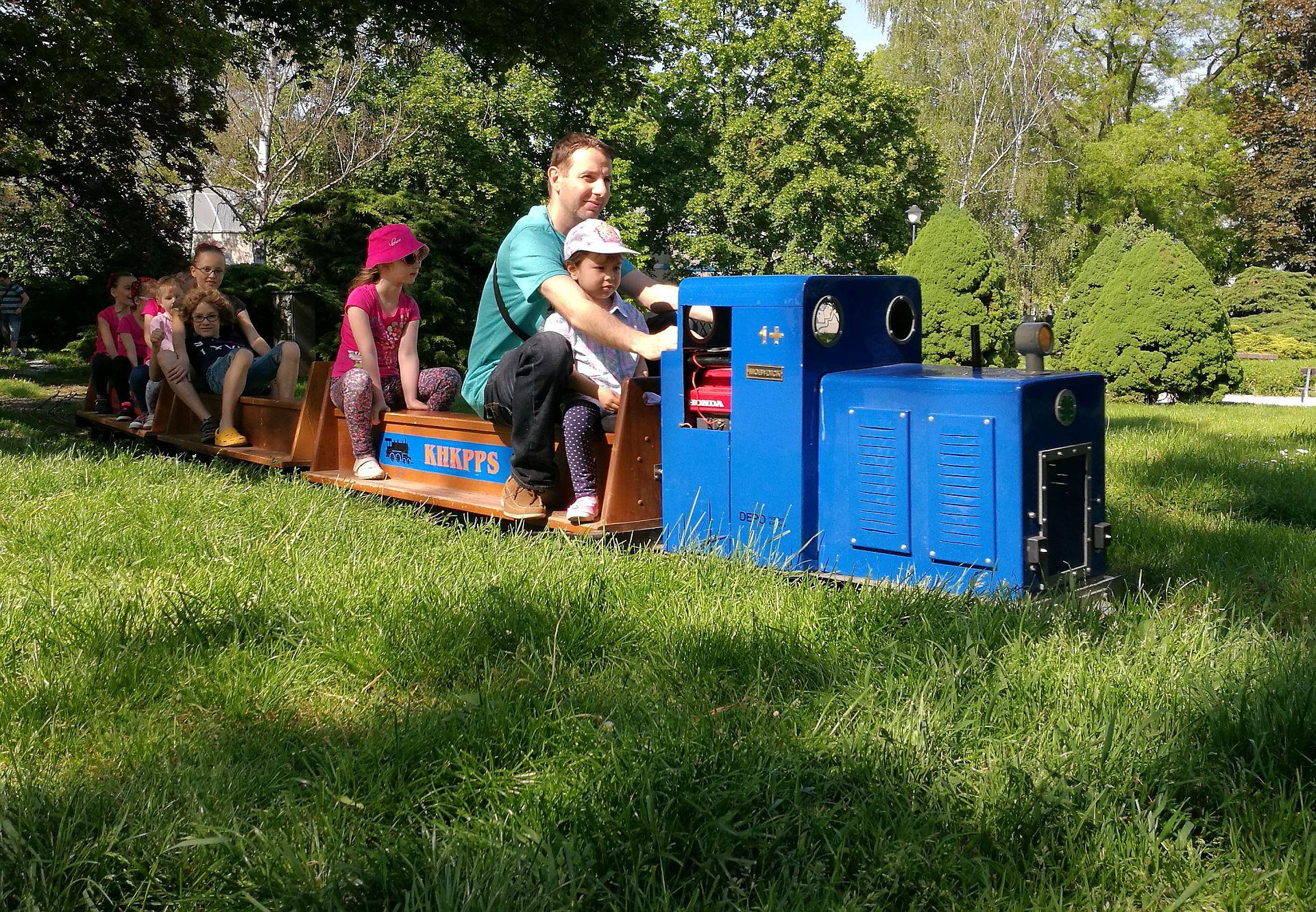 Živí ho pivo, ale víkendy věnuje dětské železnici