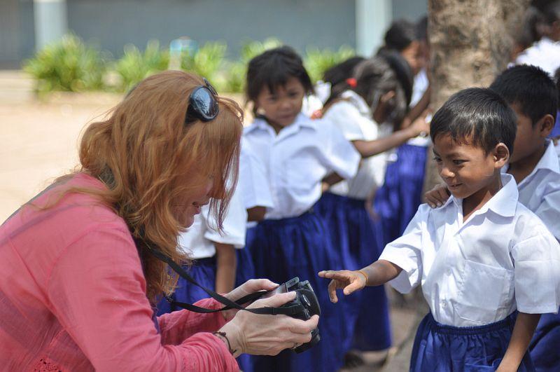 Markéta Nešlehová s dětmi v Asii