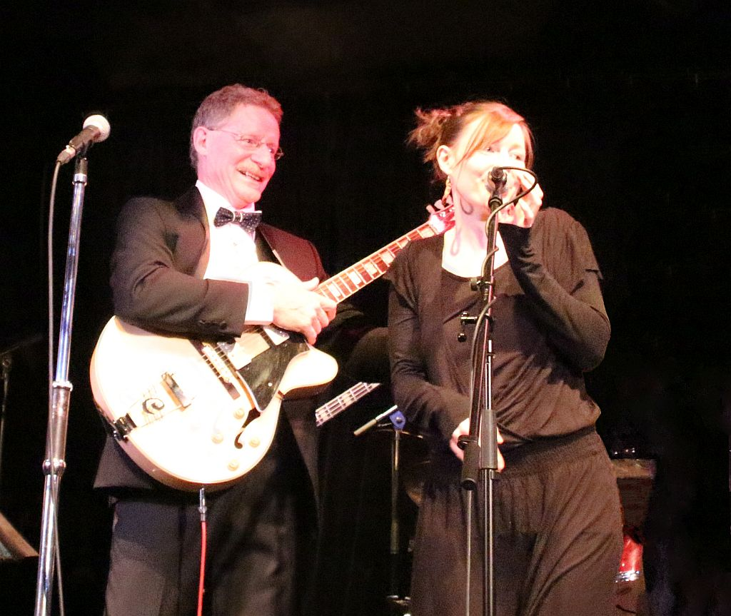 Se svou dcerou během koncertu, foto: archiv Garryho Edwardse