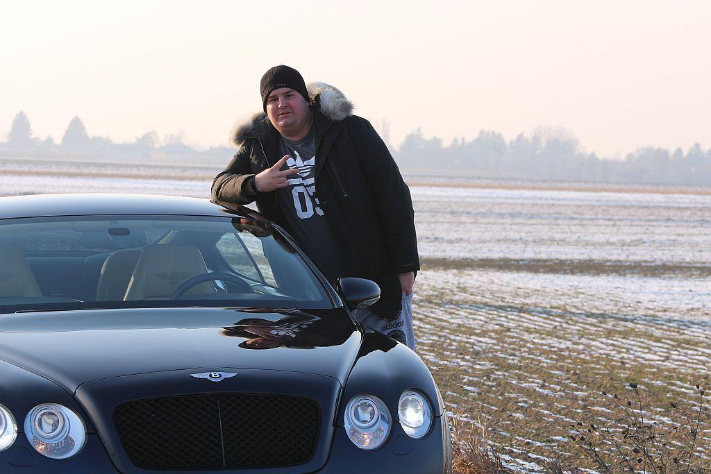 Obyčejný kluk z paneláku, který jezdí v luxusním Bentley